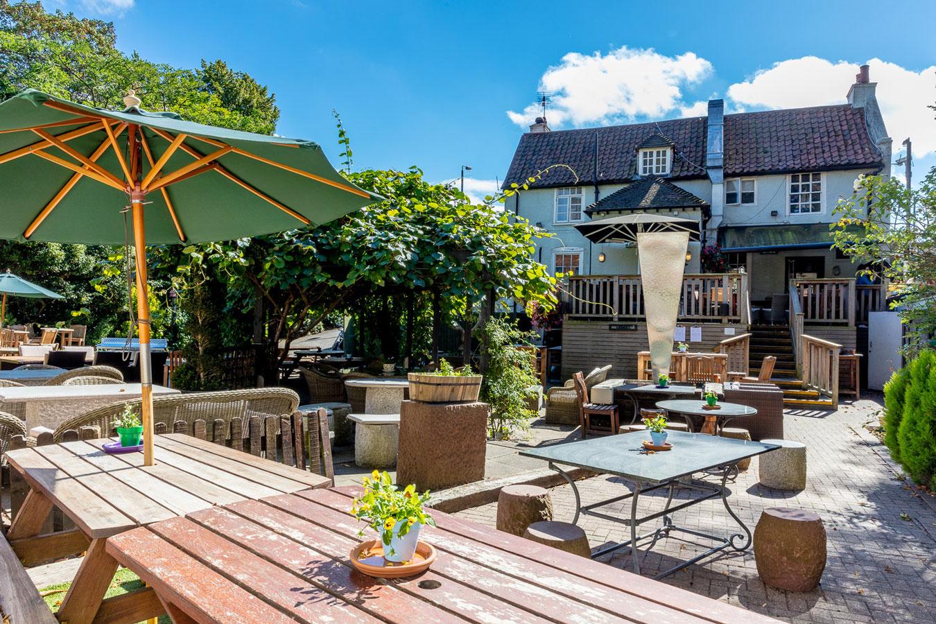 Green Man | Young's Pub near Richmond Park & Wimbledon